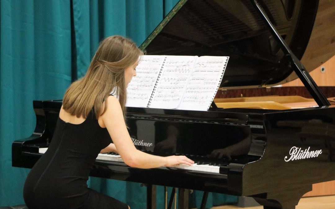Winner-of-the-H-R-Taylor-Charitable-Trust-Piano-Prize